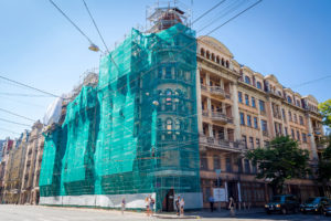 Реконструкция зданий: сохранить старое или создать новое?